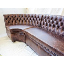 Chesterfield Studded Base Unit